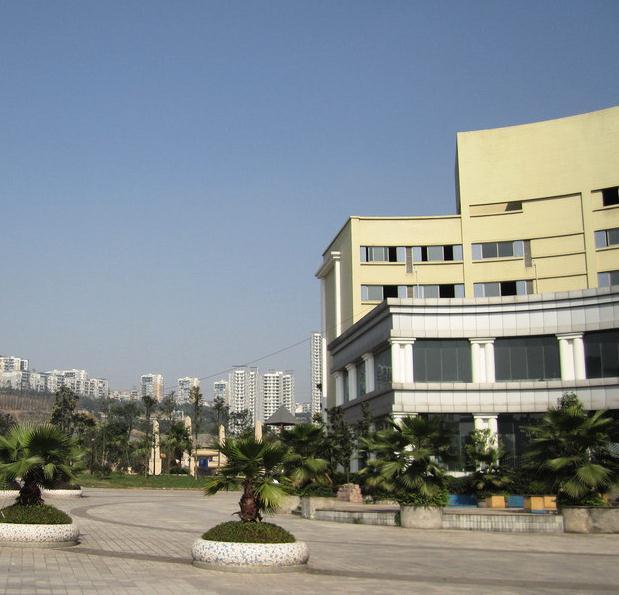 重庆医药经贸卫生学校2020年报名条件、春招招生对象