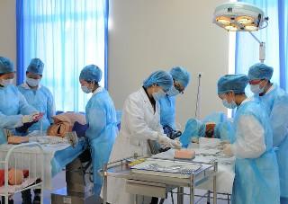 去重庆护理学校学习高护需要什么条件