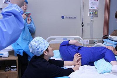 重庆医药学校助产