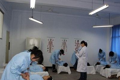 重庆市长寿卫生学校-护理专业